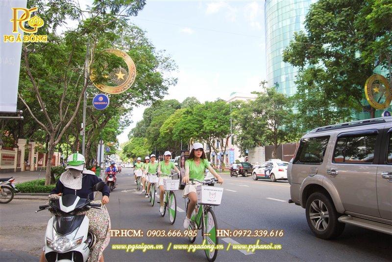 Đoàn roadshow xe đạp nổi bật trên các tuyến đường Lê Duẩn