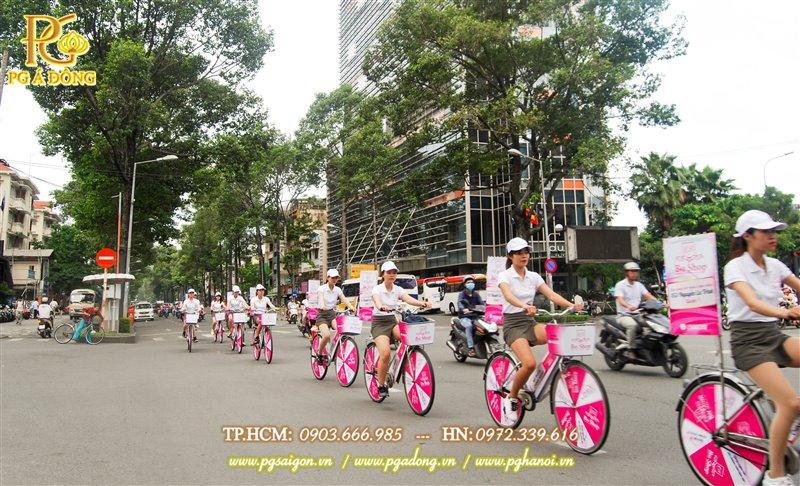 Đoàn roadshow xe đạp nổi bật trên các tuyến đường Trần Hưng Đạo