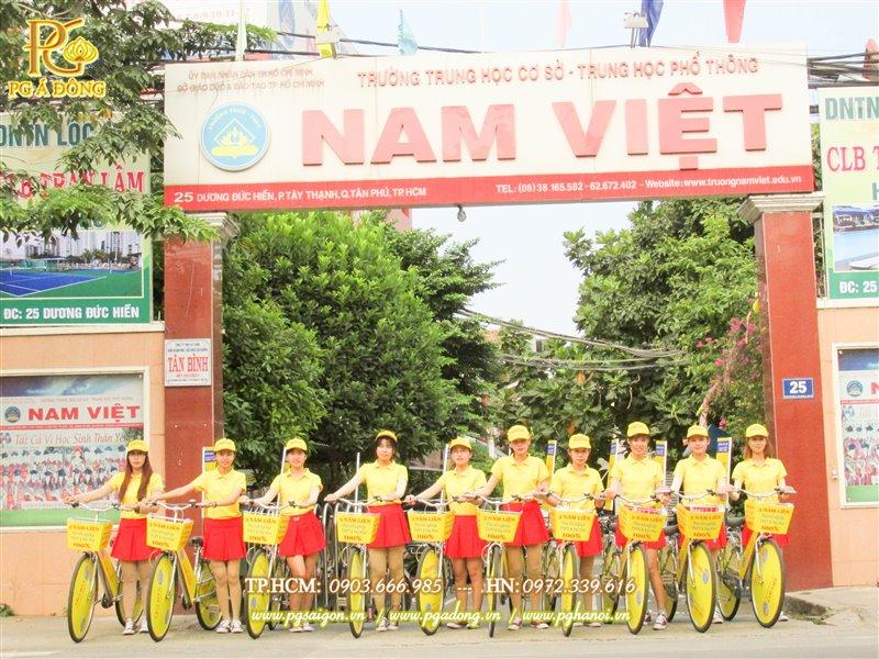 Đoàn roadshow xe đạp tại trường Nam Việt