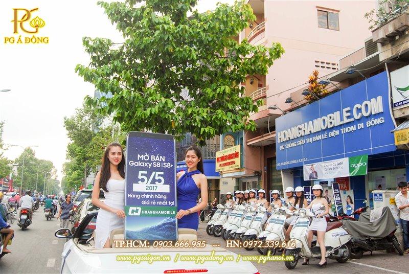 Đoàn roadshow xe máy tại cửa hàng Hoàng Hà