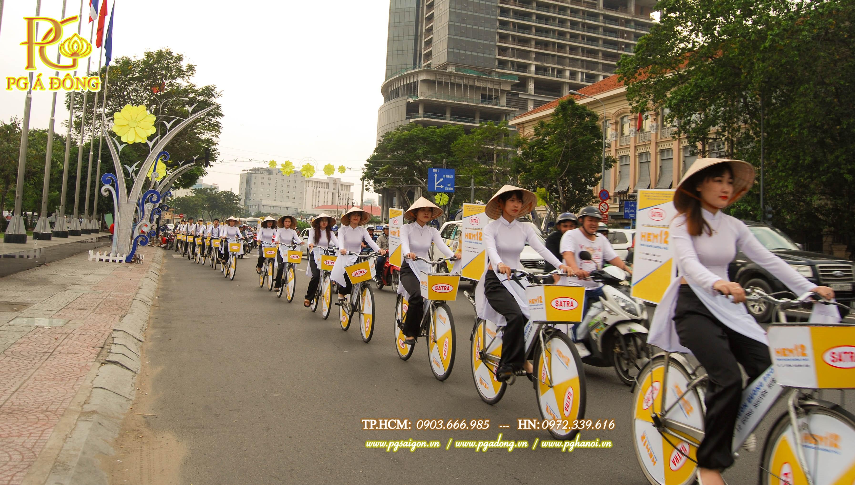 Đoàn roadshow xe đạp nổi bật trên đường Tôn Đức Thắng