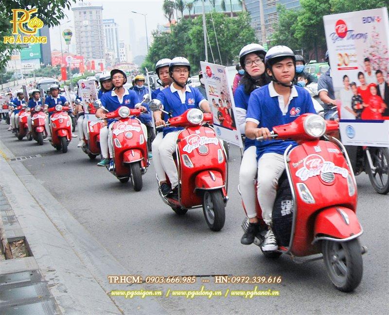 Tổ chức Roadshow Xe Máy Vespa đỏ ngân hàng BIDV