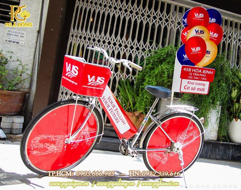 Trang trí roadshow xe đạp Tiếng Anh VUS