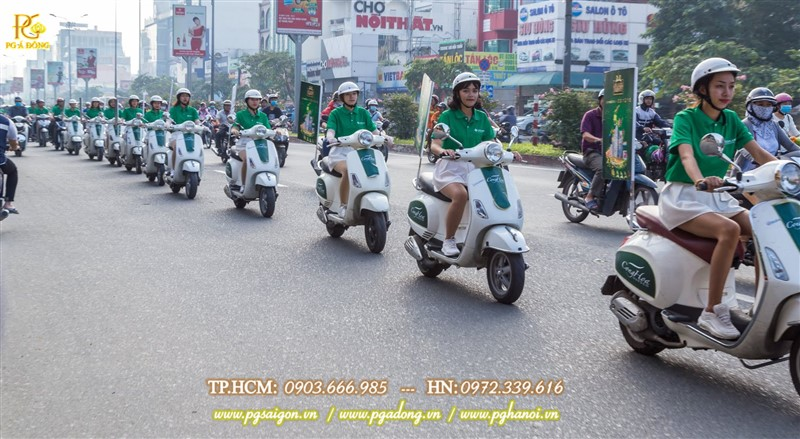 Đoàn roadshow xe máy nổi bật trên đường Hoàng Văn Thụ
