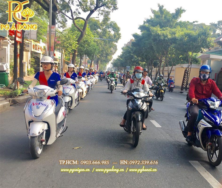 Đoàn roadshow xe máy Lead nổi bật trên đường Võ Thị Sáu