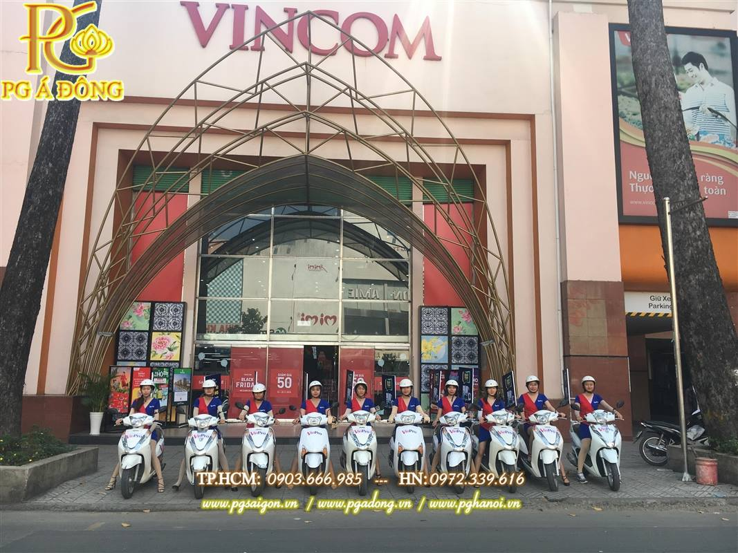 Đoàn roadshow xe Lead tạ VinCom
