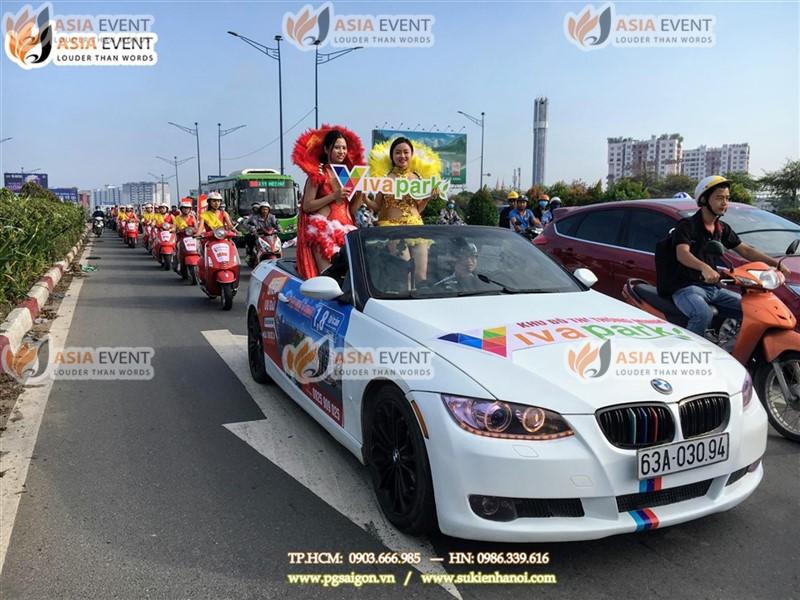 Đoàn roadshow xe máy vespa trên đường Trường Chinh